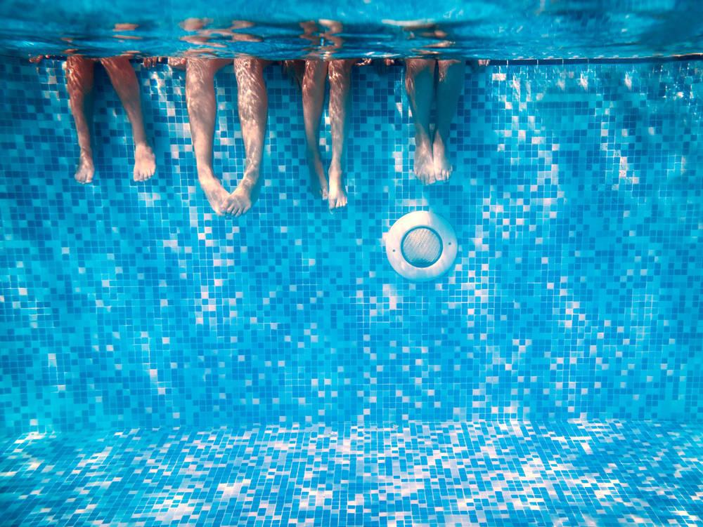 Hotel con piscina, asueto veraniego
