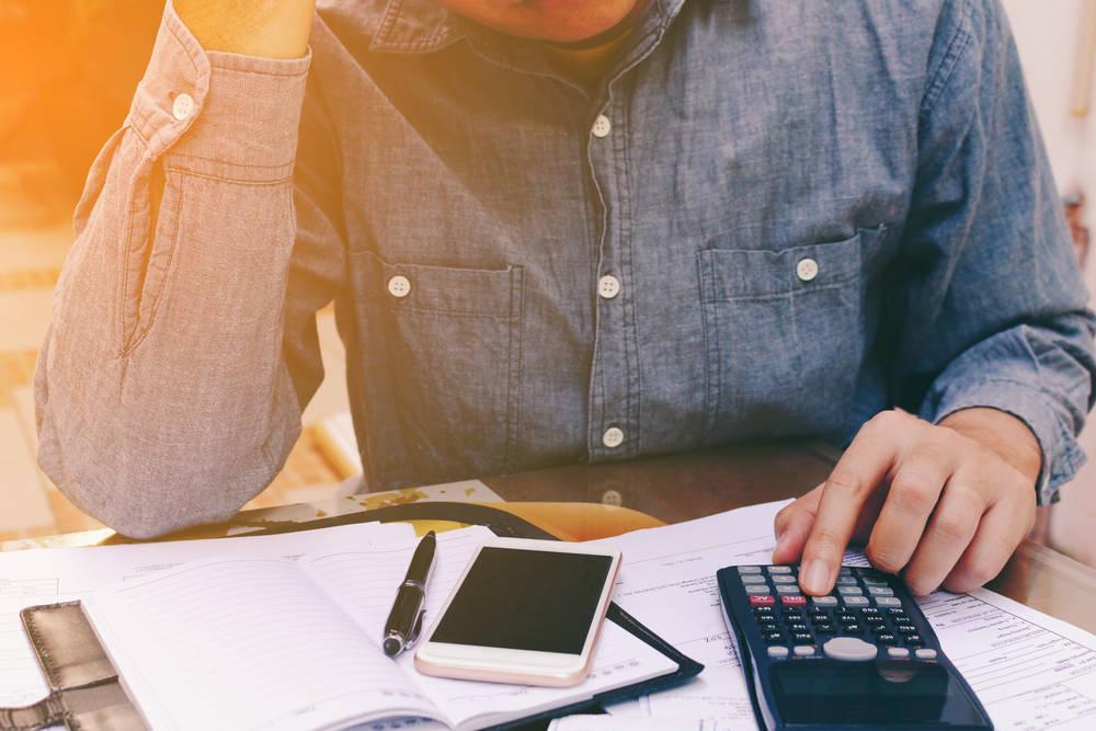 Qué hacer si te dejan una factura sin pagar