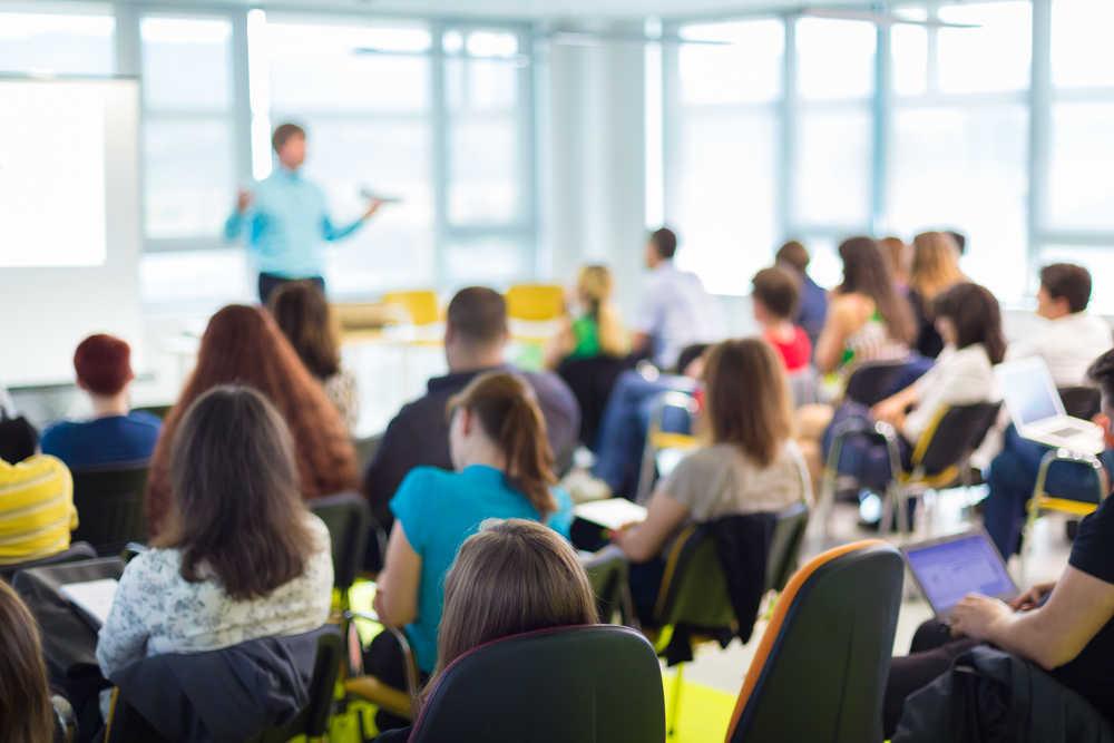 Las empresas, un apoyo para las instituciones educativas