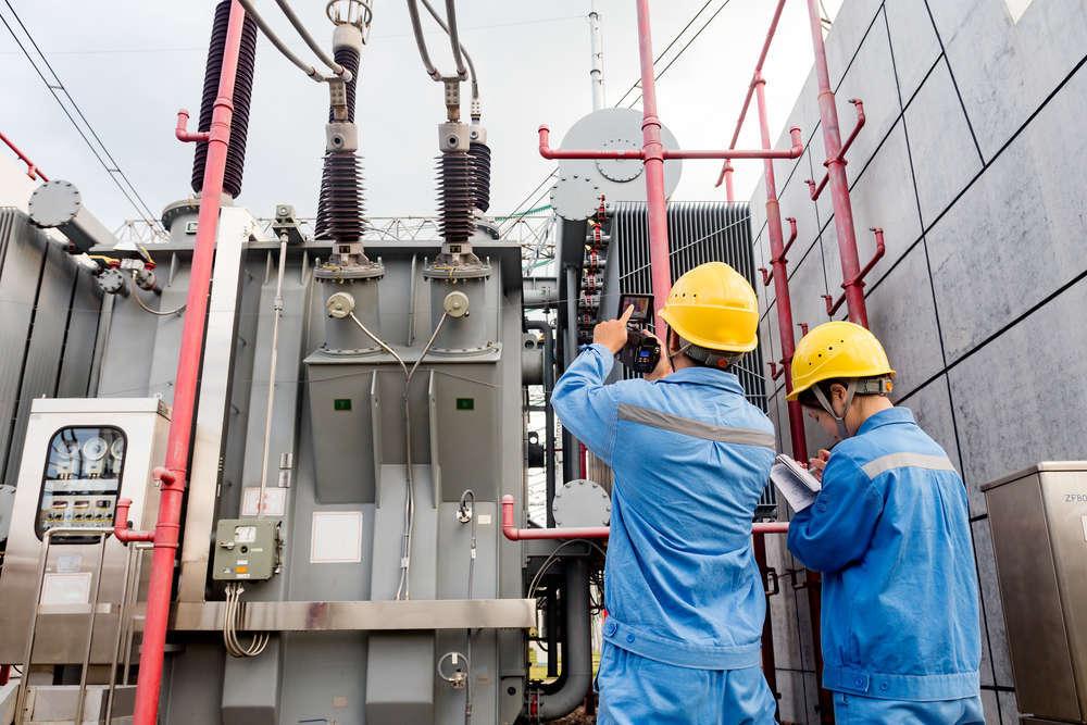 Mantenimiento y seguridad en centros de transformación eléctricos