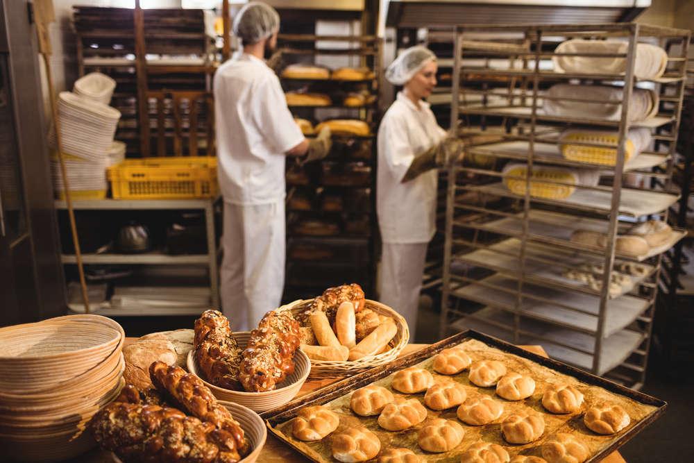 ¿Qué hay que hacer para abrir una panadería?